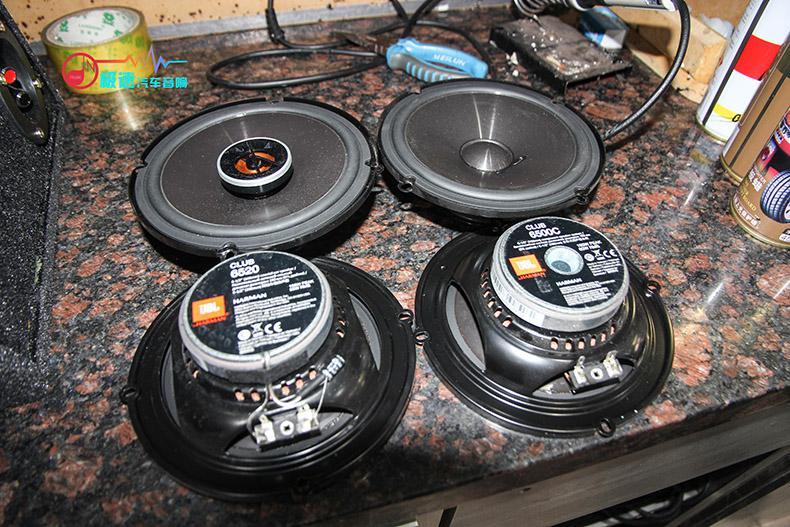 dx7汽车音响改装,超越同级之最|广州极速汽车音响改装  后声场喇叭